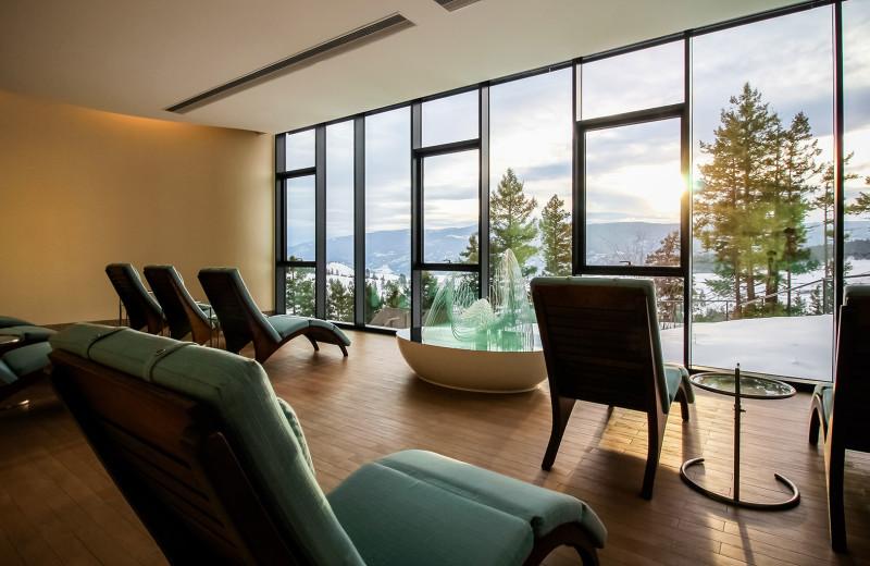 Lounge at Sparkling Hill Resort.
