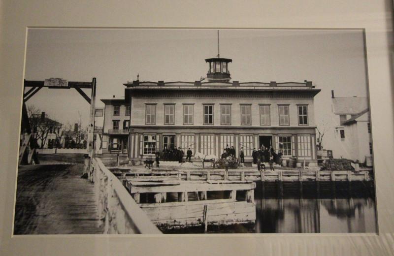 Historic photo of Whaler's Inn.