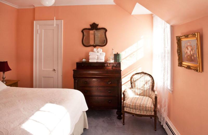 Guest room at Ram's Head Inn.