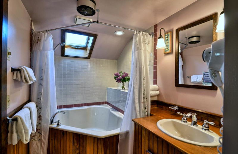 Guest bathroom at Darby Field Inn.