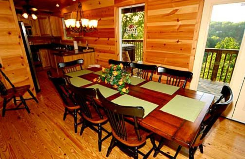 Dining Table at Baskins Creek Cabin Rentals