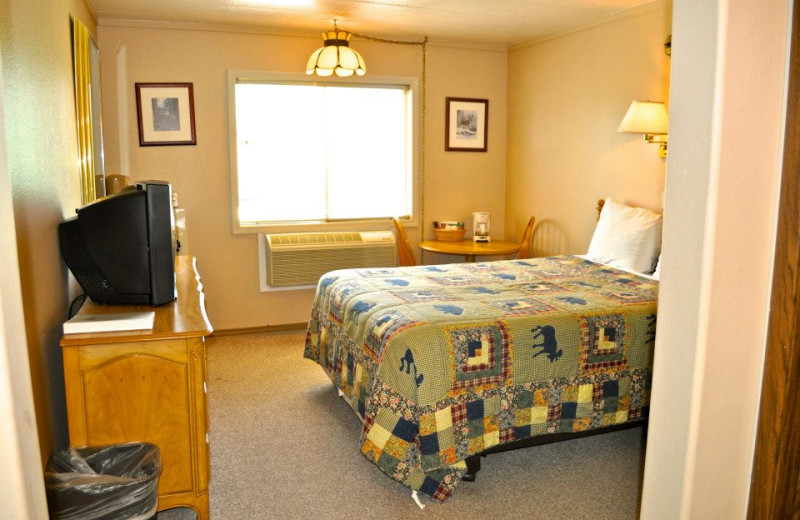 Guest room at Sawtelle Mountain Resort.