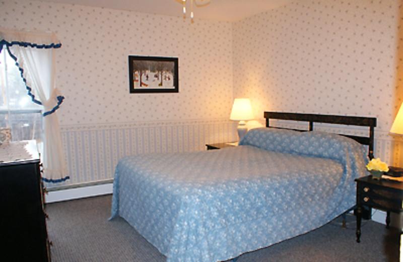 King Bedroom at Echo Lake Inn