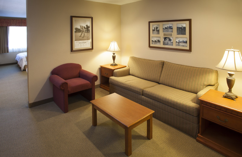 Guest room sitting area at Manistee National Golf & Resort.
