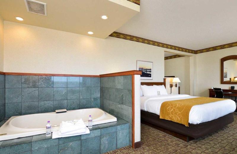 Jacuzzi suite at Comfort Suites Canal Park.