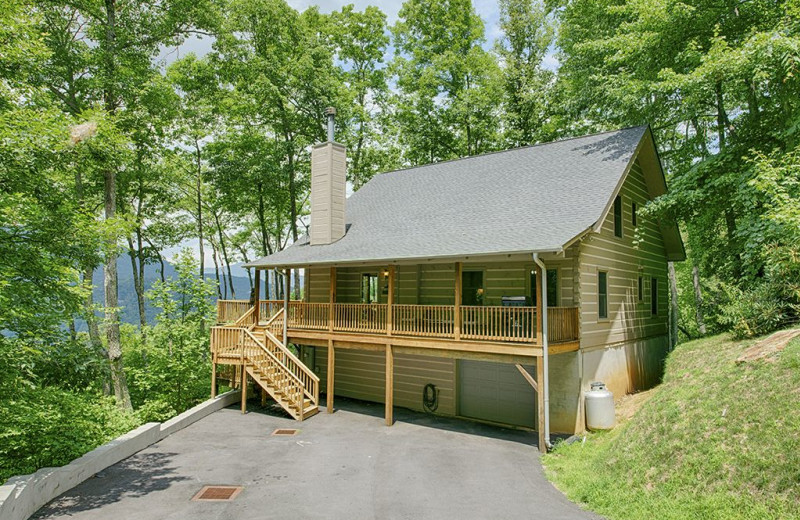 Rental exterior at Smoky Mountain Retreat Realty.