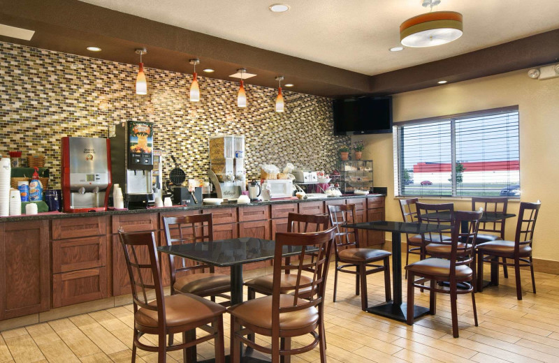 Dining at Days Inn & Suites - Benton Harbor.