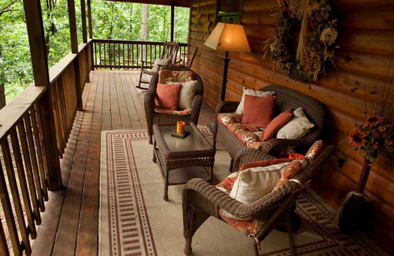 Cabin deck at Beavers Bend Getaway.