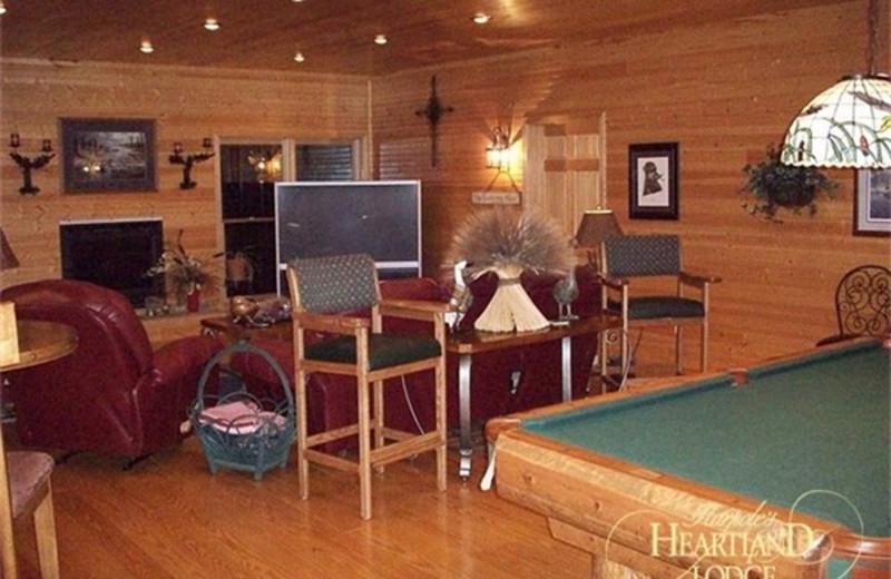 Recreation room and lounge at Harpole's Heartland Lodge.