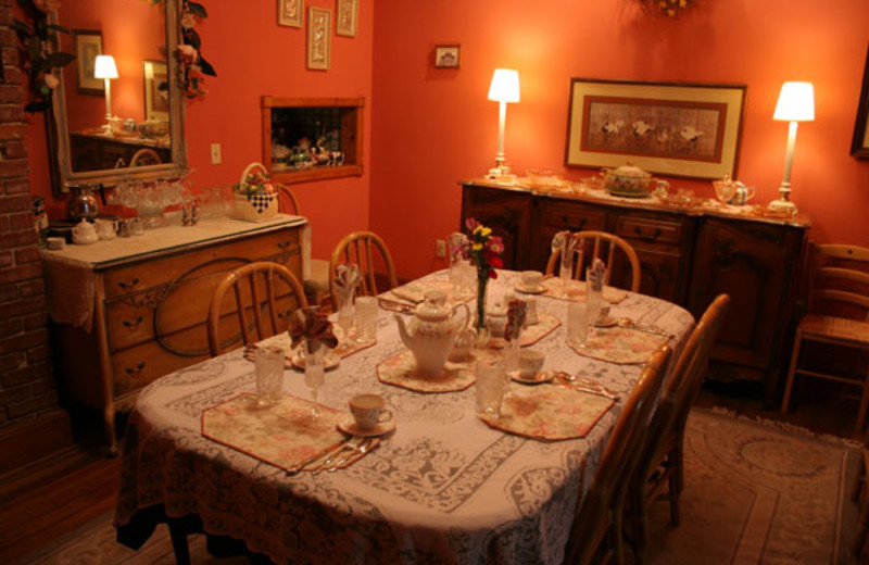 Dining room at 1908 Ridgeway House Bed & Breakfast Inn.