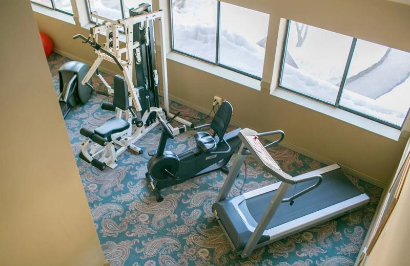 Fitness center at Black Bear Lodge.
