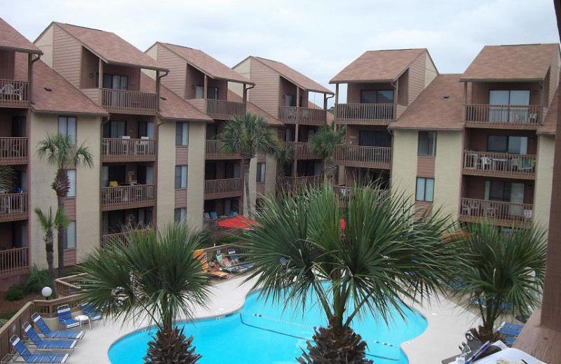 Vacation rental pool at Myrtle Beach Vacation Rentals.