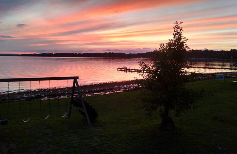 Sunrise at Log Cabin Hollow Resort.
