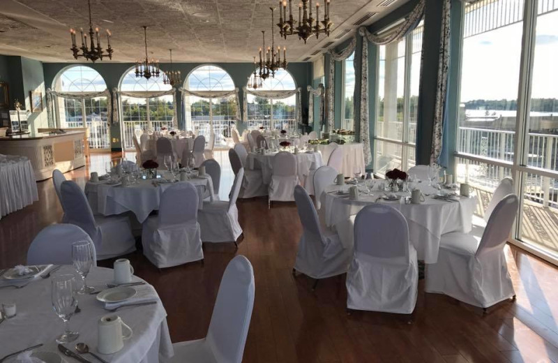 Weddings at The Riveredge Resort.