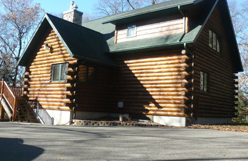Rental exterior at Sand County Service Company - Bluff View.
