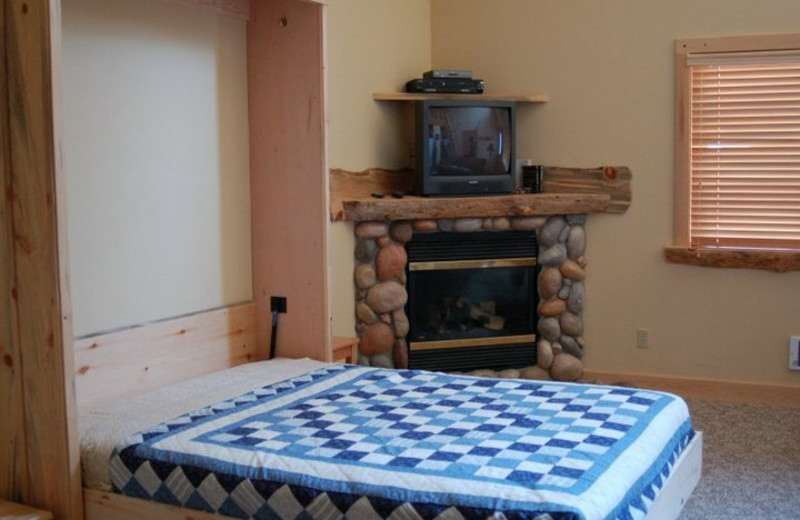 Cabin Murphy bed at Timberline Meadows Lodges.