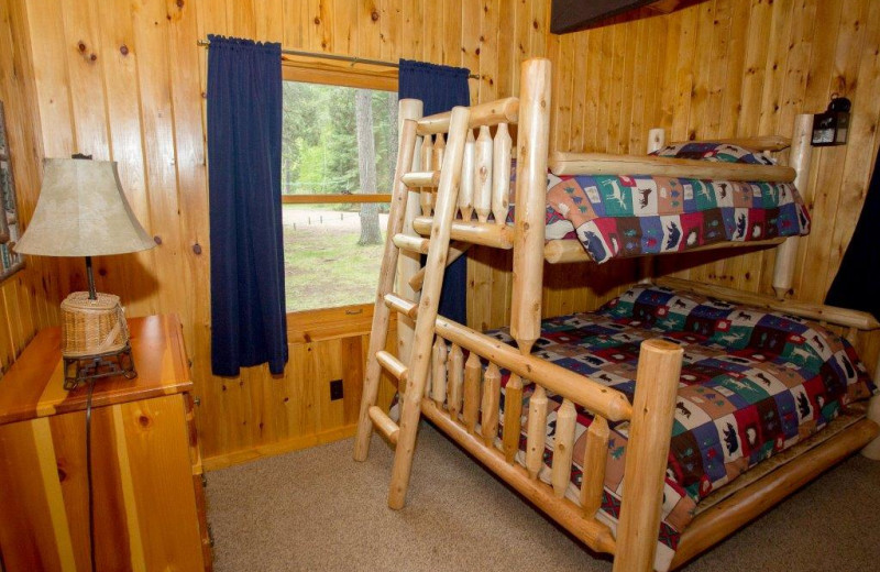 Cabin bedroom at Timber Bay Lodge & Houseboats.