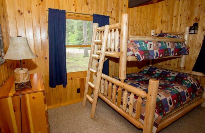Cabin bedroom at Timber Bay Lodge & Houseboats.