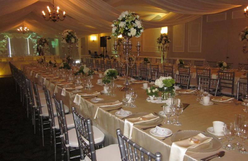 Wedding reception at Elm Hurst Inn & Spa.
