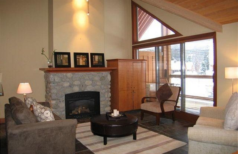 Rental living room at Peak to Green Accommodations Inc.