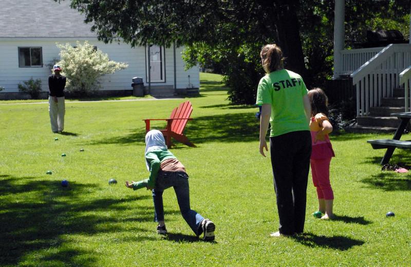 Family games at Bayview Wildwood Resort.