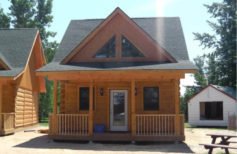 Cabin at Sunset Cove Lodge