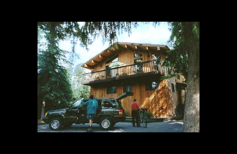 Exterior view of Treetops Banff Bed and Breakfast.