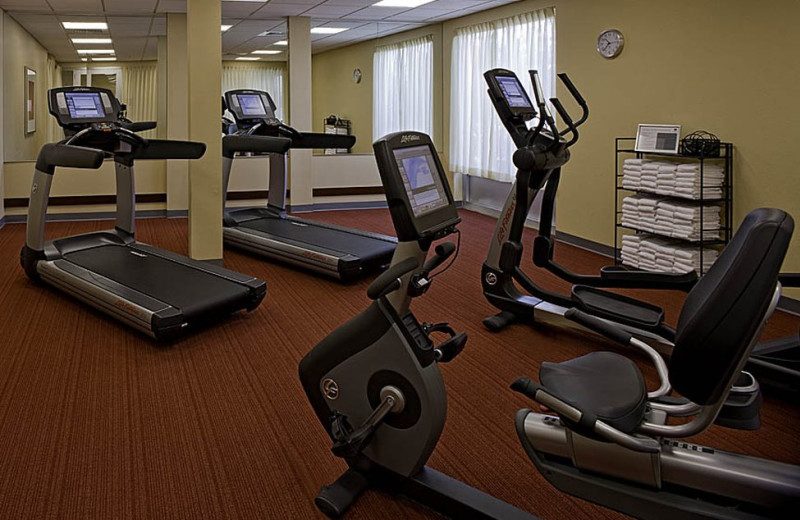 Fitness room at Hyatt Place Minneapolis Airport – South.
