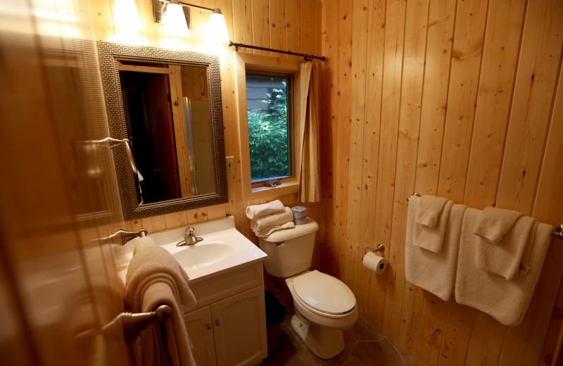 Cabin bathroom at Fair Hills Resort.