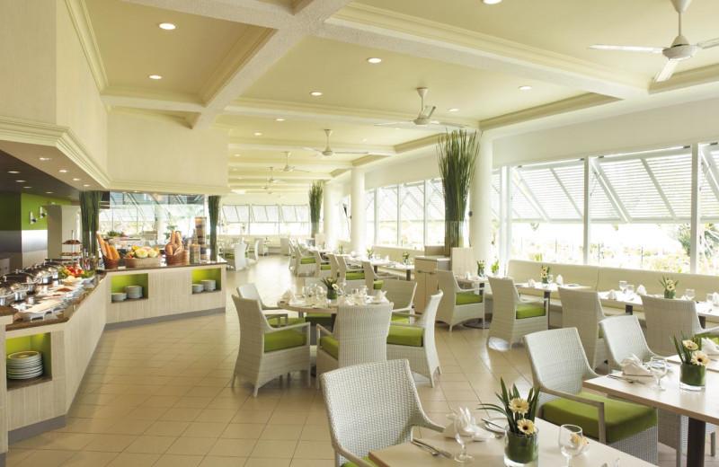 Dining at Shangri-La's Golden Sands Resort.