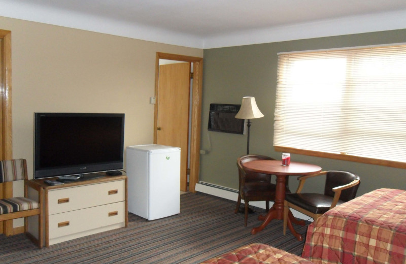 Guest room at Twin Pines Resort.