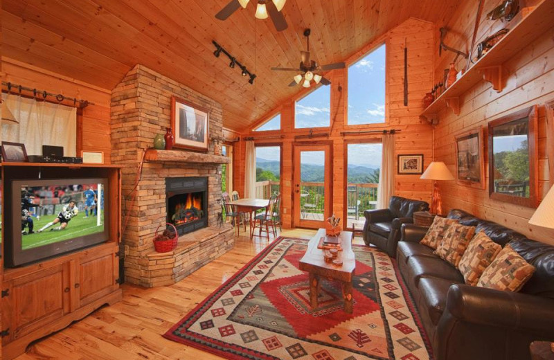 Cabin living room at Cabin Fever Vacations.
