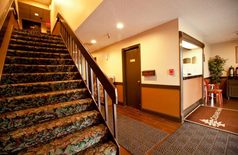 Interior view of Cedars Inn Auburn (formerly Nendels Inn).