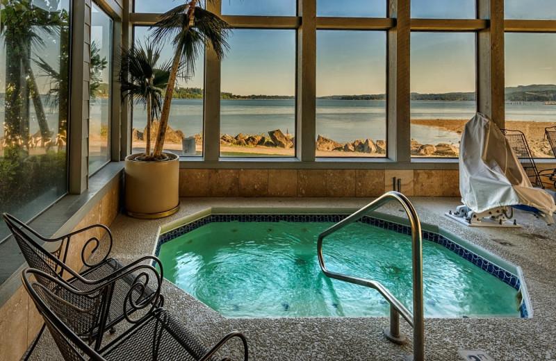 Hot tub at Silverdale Beach Hotel.