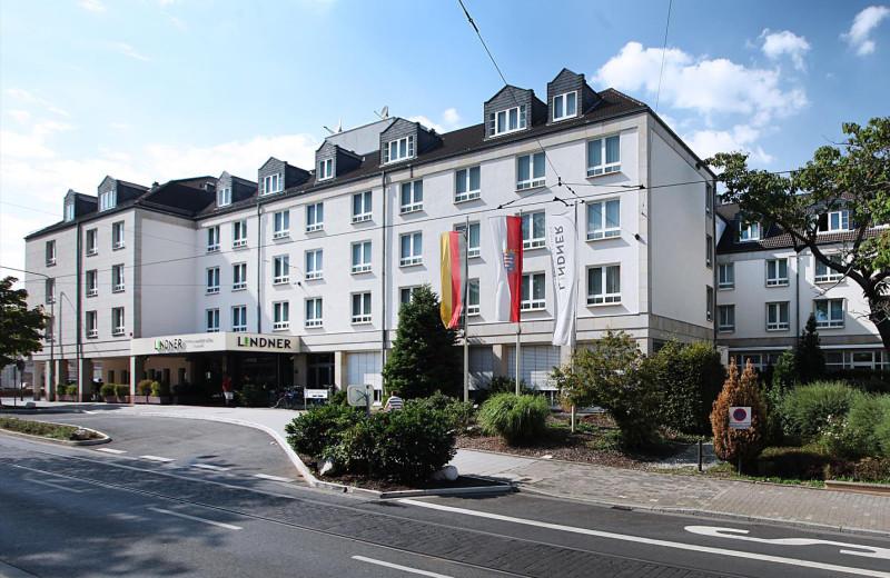 Exterior view of Lindner Congress Hotel Frankfurt.