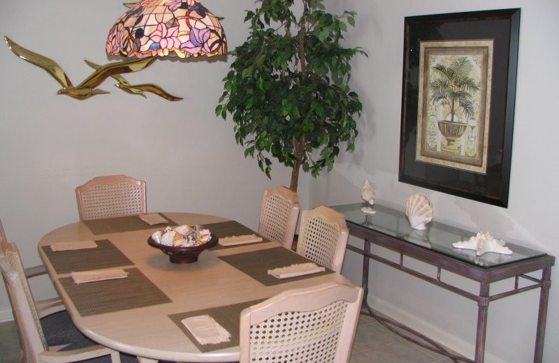 Rental dining room at Gulf Beach Rentals.