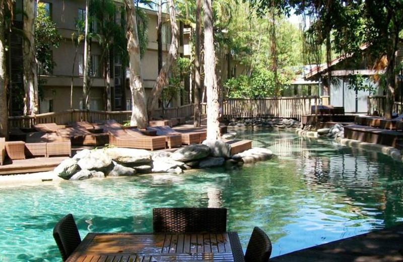 Exterior view of Radisson Treetops Resort.