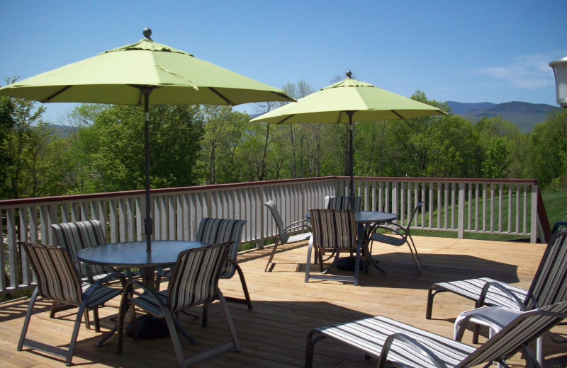 Outdoor patio at The Lodge at Lincoln Station.