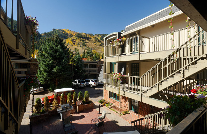 Exterior view of Frias Properties of Aspen - Chateau Dumont #2.