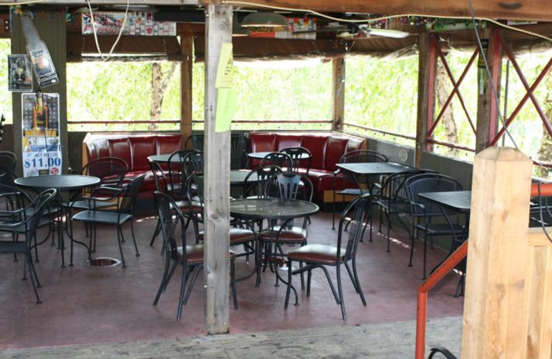 Outdoor dining at Outback Roadhouse Inn.
