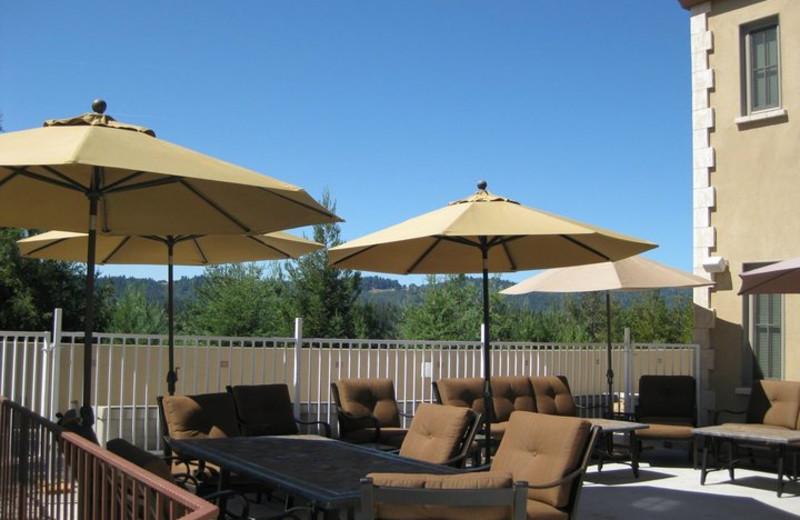 Outdoor patio at Bella Villa Messina.