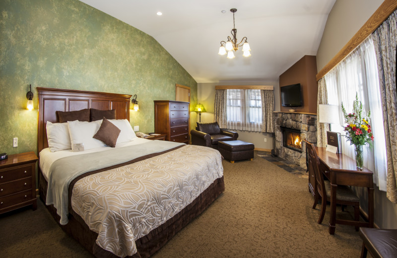 Wright Peak Specialty Room with 1 King Bed and Wood Fireplace