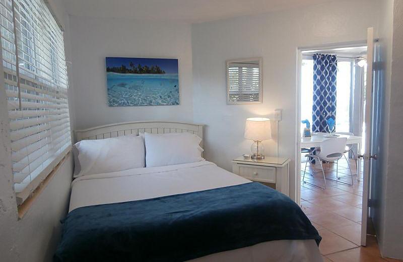 Guest bedroom at La Jolla Resort Hotel.