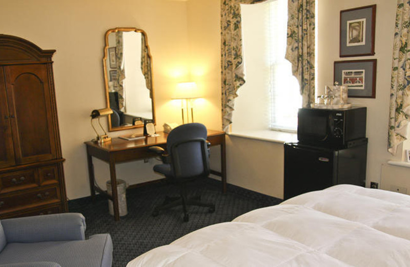 King Suite at Inn at Darden