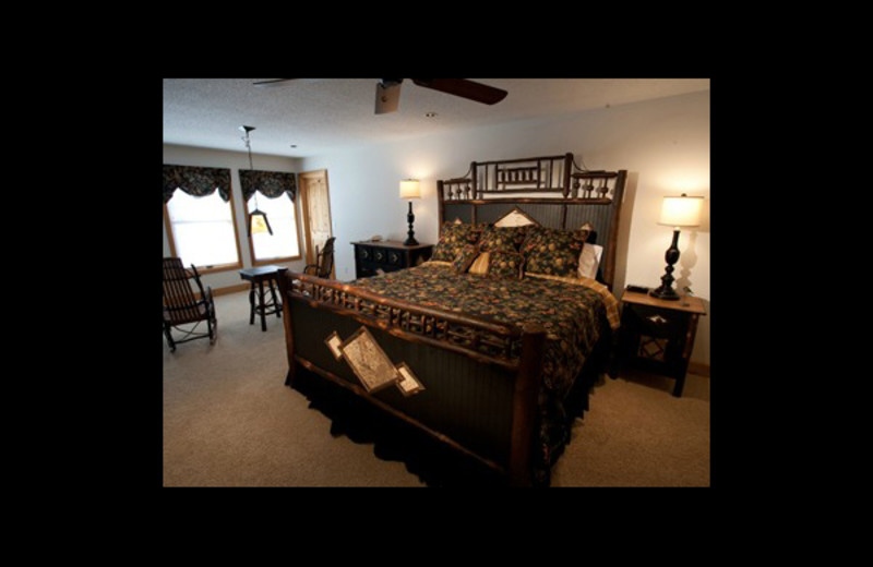 Guest bedroom at Chippewa Retreat Resort.