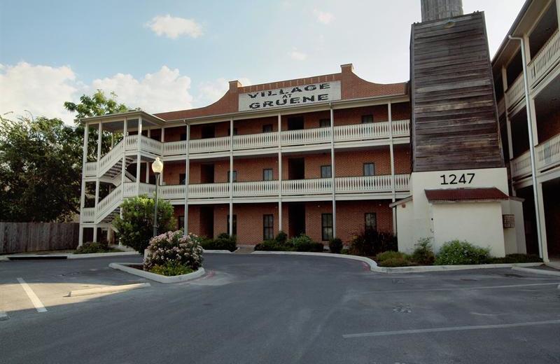 Rental exterior at River City Resorts.