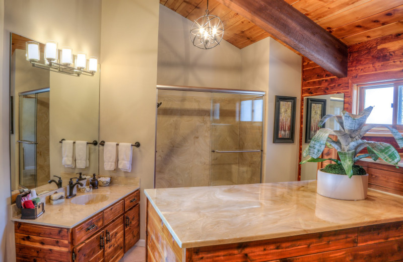 Guest bathroom at Bella Vista Estate.