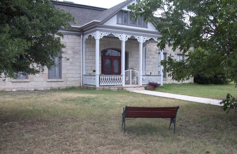Exterior view of Airy Mount Bed and Breakfast.