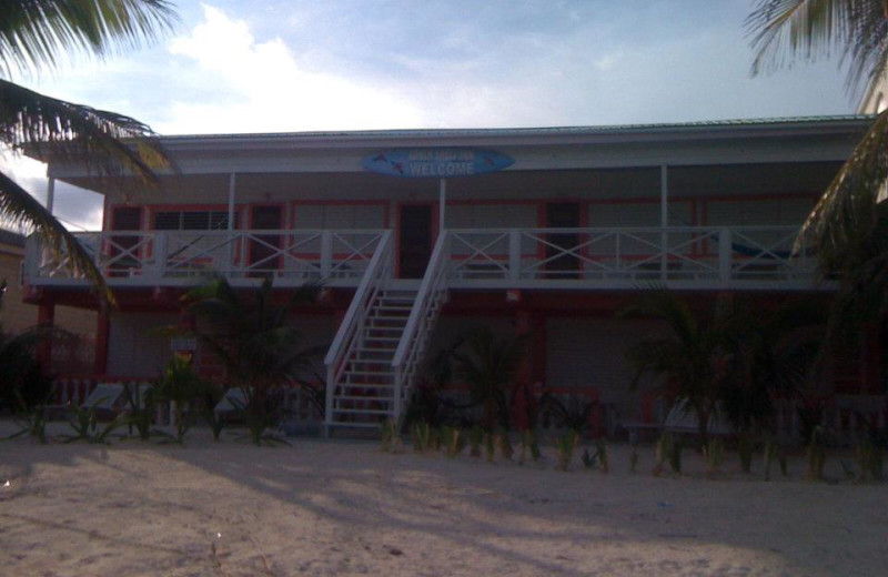 Exterior view of Conch Shell Hotel.
