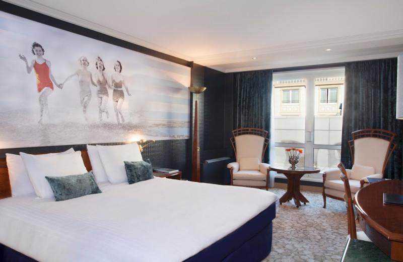 Guest room at Hotels van Oranje.